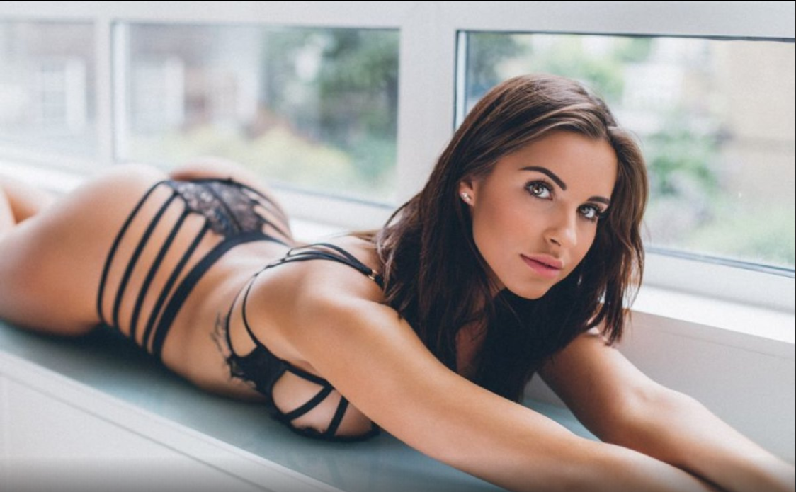PHOTO HOT Sexy Arsenal fan Jessica Rose